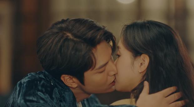 Lee Min Ho mới tập 5 Quân Vương Bất Diệt đã chơi lớn hôn luôn Kim Go Eun, cơ mà sao trông gượng gạo thế nhỉ? - Ảnh 5.