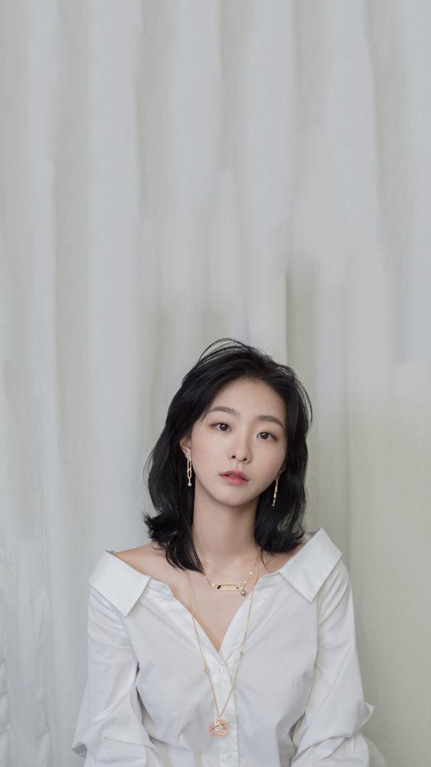 Điên nữ Kim Da Mi trở lại màn ảnh rộng, lần này chị đi làm top vướng vào mối tình bách hợp Thất Nguyệt Anh Sinh bản Hàn - Ảnh 3.