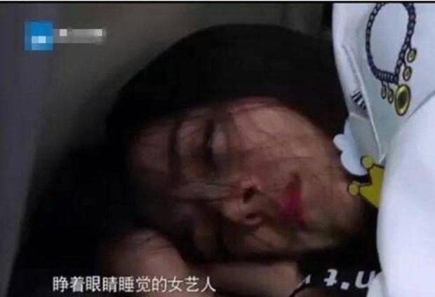 Ảnh ngủ gật của các sao Hoa ngữ: Người đẹp không góc chết, kẻ bị dìm thê thảm - Ảnh 20.