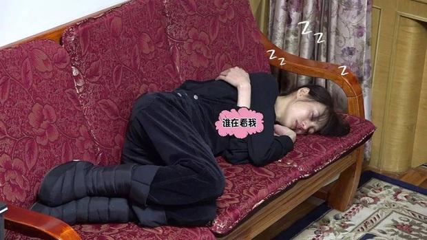 Ảnh ngủ gật của các sao Hoa ngữ: Người đẹp không góc chết, kẻ bị dìm thê thảm - Ảnh 27.