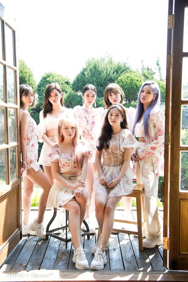 """Top 30 nhóm nhạc nữ hot nhất tháng 5: BLACKPINK, TWICE, Red Velvet bất ngờ bị cái tên """"lạ hoắc"""" vượt mặt, bất ngờ nhất là màn lội ngược dòng của đàn chị gen 2 - Ảnh 1."""