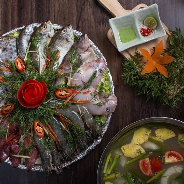 Việt Nam ta có những món lẩu với tên gọi cực kỳ độc lạ, toàn là đặc sản nức tiếng ở địa phương chắc hẳn bạn chưa từng ăn thử - Ảnh 1.