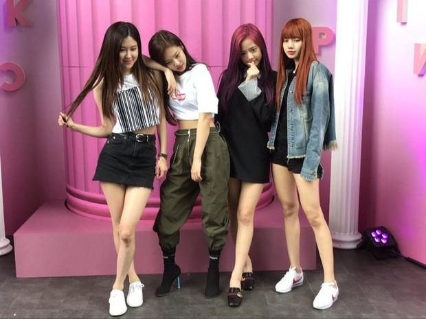 """Top 30 nhóm nhạc nữ hot nhất tháng 5: BLACKPINK, TWICE, Red Velvet bất ngờ bị cái tên """"lạ hoắc"""" vượt mặt, bất ngờ nhất là màn lội ngược dòng của đàn chị gen 2 - Ảnh 3."""