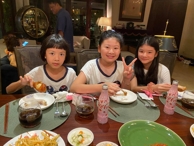 Hội bạn thân U40 showbiz lâu ngày tụ họp: Hà Kiều Anh đọ sắc Trương Ngọc Ánh, diện mạo trẻ trung của bạn gái Chi Bảo gây chú ý - Ảnh 5.