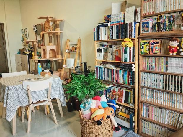 Chàng trai đầu tư 300 triệu decor nhà đi thuê, sở hữu 3000 cuốn sách truyện và vô số đồ đạc nhưng vẫn gọn gàng hết nấc - Ảnh 5.