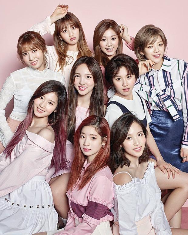 """Top 30 nhóm nhạc nữ hot nhất tháng 5: BLACKPINK, TWICE, Red Velvet bất ngờ bị cái tên """"lạ hoắc"""" vượt mặt, bất ngờ nhất là màn lội ngược dòng của đàn chị gen 2 - Ảnh 5."""