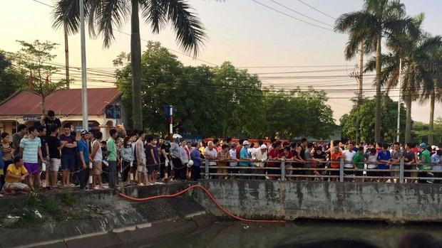 Hai bác cháu tại Hà Nội tử vong thương tâm do bị nước cuốn vào gầm cầu trong lúc đi bơi - Ảnh 1.