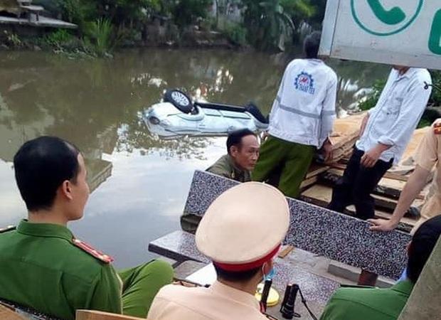 Nam Định: Xe ô tô bất ngờ lao xuống mương nước trong đêm, 3 người thương vong - Ảnh 2.