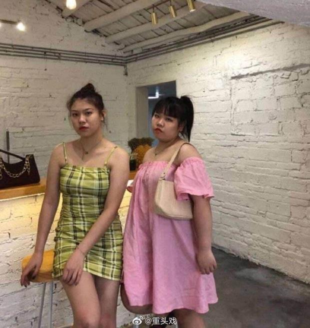 Xôn xao hai gái xinh bị bóc mẽ sống ảo, chỉ 1 bức ảnh chụp trộm của team qua đường đã vạch trần tất cả - Ảnh 2.