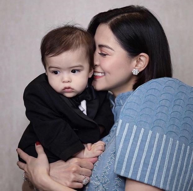 Những bà mẹ cực phẩm showbiz: Mợ chảnh xuất sắc, Trương Bá Chi khiến Cnet cảm phục, mỹ nhân cuối gây sốt vì gia đình hoàn mỹ - Ảnh 23.