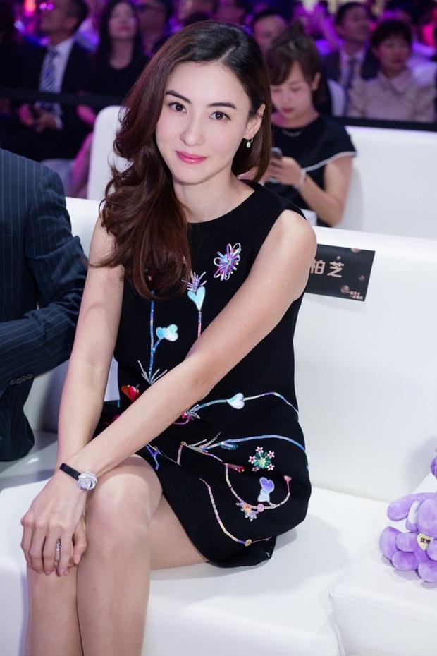 Những bà mẹ cực phẩm showbiz: Mợ chảnh xuất sắc, Trương Bá Chi khiến Cnet cảm phục, mỹ nhân cuối gây sốt vì gia đình hoàn mỹ - Ảnh 11.