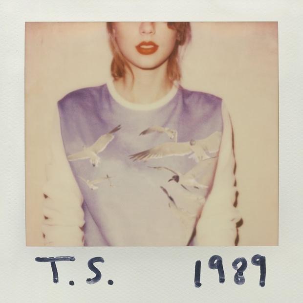 50 bìa album đẹp nhất mọi thời đại: Taylor Swift, Lady Gaga và Cardi B xếp chót bảng thua Ariana Grande, trong khi hạng nhất thuộc về... một trái chuối? - Ảnh 1.