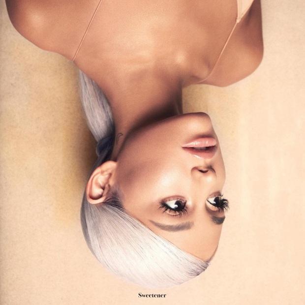 50 bìa album đẹp nhất mọi thời đại: Taylor Swift, Lady Gaga và Cardi B xếp chót bảng thua Ariana Grande, trong khi hạng nhất thuộc về... một trái chuối? - Ảnh 8.