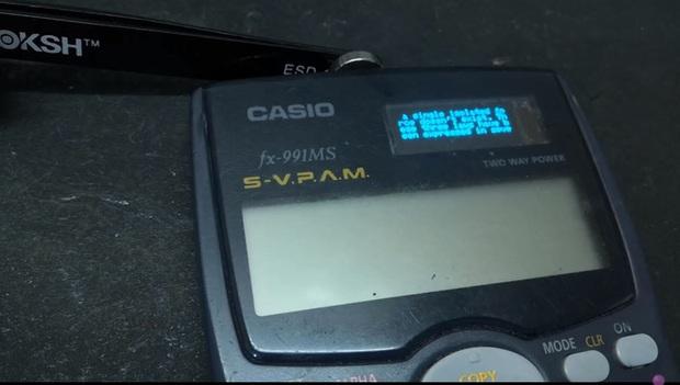Hack cả máy tính Casio để gian lận thi cử, YouTuber khiến dân tình phải kinh ngạc khi làm được cả Wi-Fi và chat như smartphone - Ảnh 2.