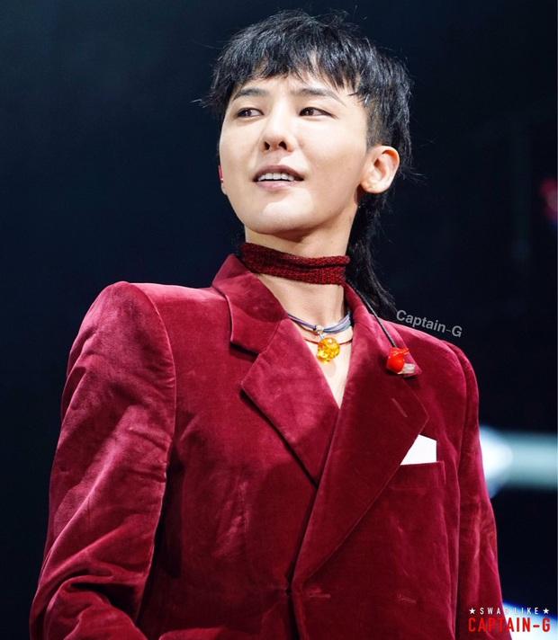 G-Dragon lộ ảnh bàn ăn ở penthouse 173 tỷ mới tậu, dân tình dán mắt vào 4 ghế như đồ chơi mà giá 800 triệu/chiếc - Ảnh 6.