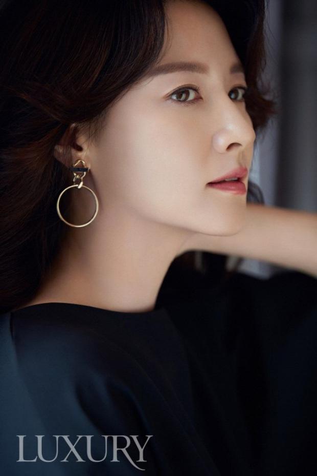 Top 10 mỹ nhân Hàn đẹp nhất thế kỷ 21: Bộ tứ tuyệt đại nhan sắc lại thua 1 chị đại, nhưng dàn nữ thần Kpop đâu rồi? - Ảnh 2.