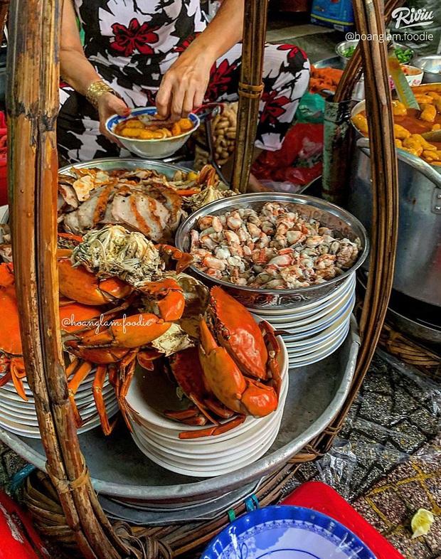 """Sau dịch ăn gì? Càn quét 6 món ăn đường phố """"thần thánh"""" giá dưới 50k ngay tại Sài Gòn - Ảnh 1."""