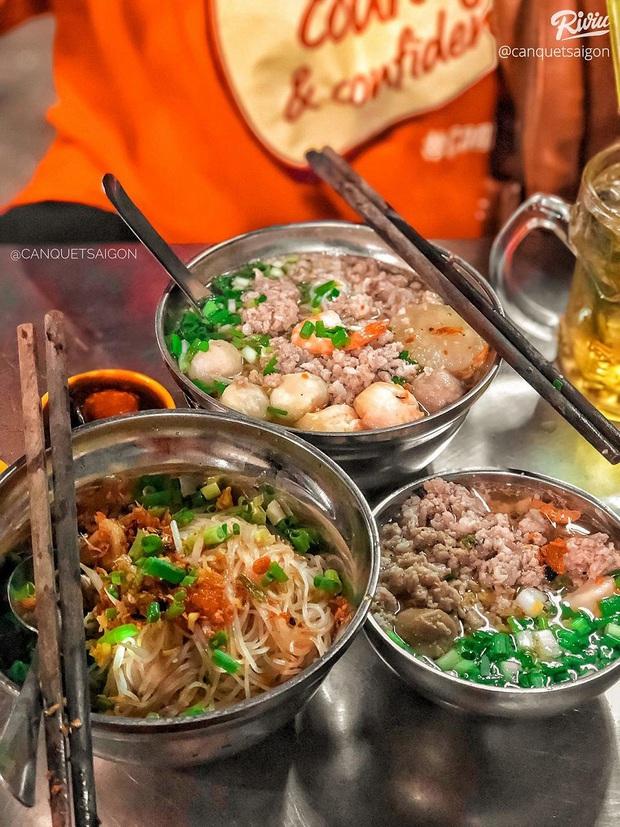 """Sau dịch ăn gì? Càn quét 6 món ăn đường phố """"thần thánh"""" giá dưới 50k ngay tại Sài Gòn - Ảnh 3."""