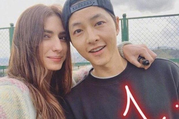 Trước lùm xùm xóa sổ dự án, nhà sản xuất phim mới của Song Joong Ki chính thức lên tiếng - Ảnh 1.