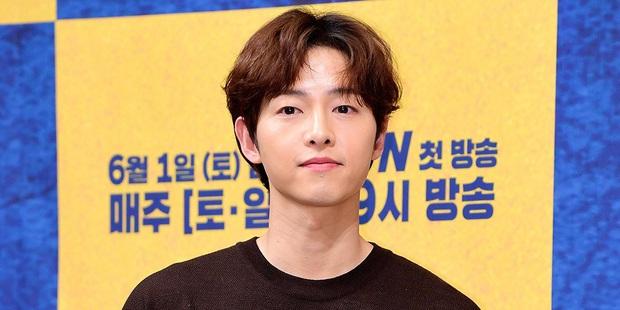 Trước lùm xùm xóa sổ dự án, nhà sản xuất phim mới của Song Joong Ki chính thức lên tiếng - Ảnh 5.