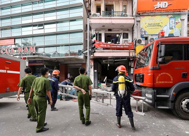 Hà Nội: Nổ bình gas kinh hoàng tại nhà hàng gà rán ở phố Cổ, 3 người nhập viện cấp cứu - Ảnh 3.