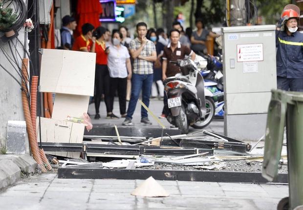 Hà Nội: Nổ bình gas kinh hoàng tại nhà hàng gà rán ở phố Cổ, 3 người nhập viện cấp cứu - Ảnh 6.