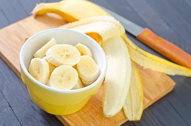 Chuối rất ngon và bổ dưỡng, nhưng đừng ăn quá nhiều vì sẽ gây ra 7 vấn để sức khỏe - Ảnh 2.