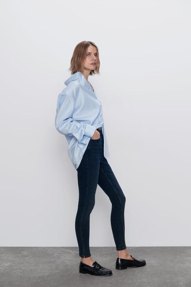 10 mẫu quần mặc đi làm mát mẻ dễ mix đồ giá dưới 500k mà bạn nên tranh thủ vợt ngay từ Zara và Uniqlo - Ảnh 2.