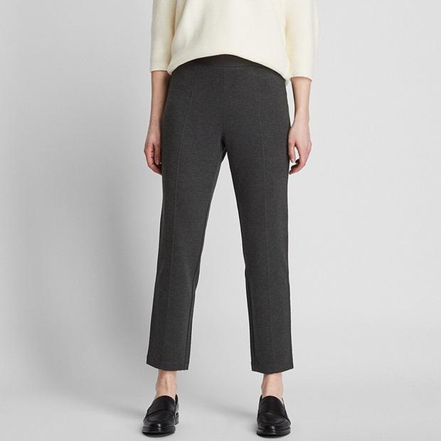 10 mẫu quần mặc đi làm mát mẻ dễ mix đồ giá dưới 500k mà bạn nên tranh thủ vợt ngay từ Zara và Uniqlo - Ảnh 10.