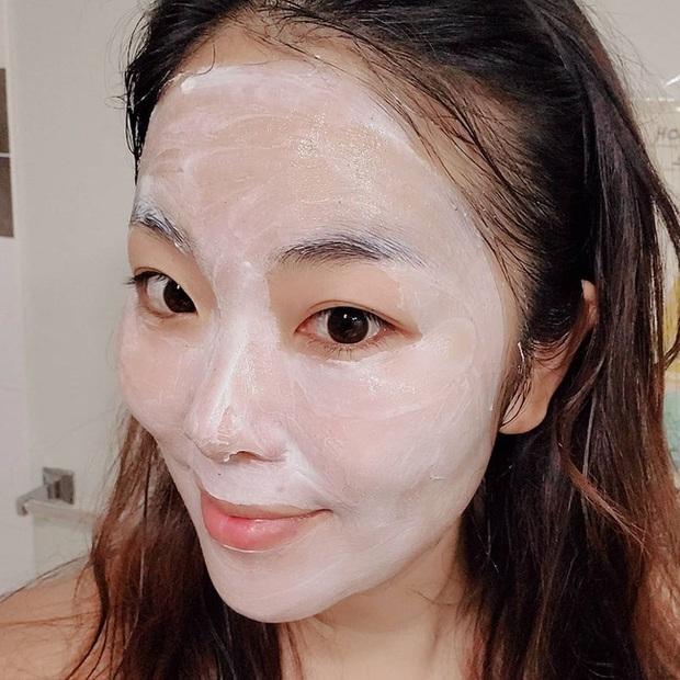 4 mẹo rửa mặt cho da sạch sâu đến từng milimet, sáng mịn bất chấp mùa Hè khắc nghiệt - Ảnh 3.