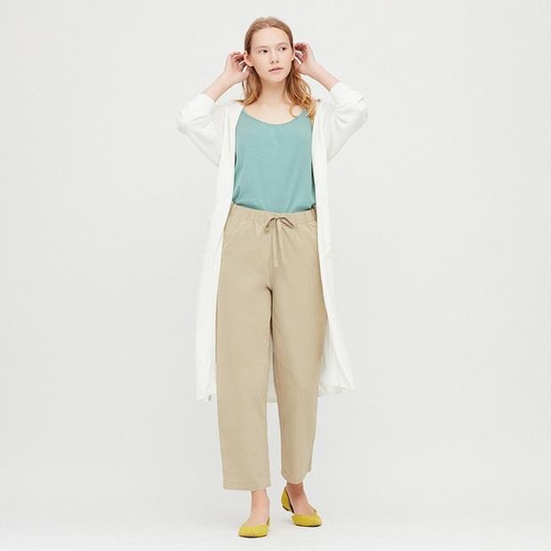 10 mẫu quần mặc đi làm mát mẻ dễ mix đồ giá dưới 500k mà bạn nên tranh thủ vợt ngay từ Zara và Uniqlo - Ảnh 7.