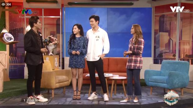 Alan Phạm ôm eo, song ca cực ngọt Có em chờ & Hơn cả yêu cùng Vũ Thanh Quỳnh trên sóng truyền hình - Ảnh 5.