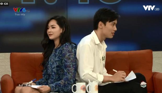 Alan Phạm ôm eo, song ca cực ngọt Có em chờ & Hơn cả yêu cùng Vũ Thanh Quỳnh trên sóng truyền hình - Ảnh 6.