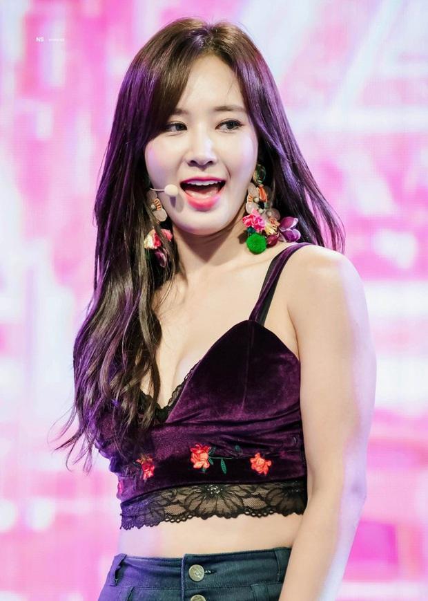 7 vụ tai nạn kinh hoàng nhất của SNSD: Sooyoung gãy xương, Taeyeon bị sờ mó, Tiffany được khen vì hành động bất ngờ - Ảnh 1.