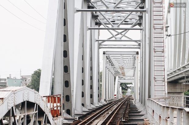 TP.HCM: Những nhát búa đầu tiên tháo dỡ cầu sắt Bình Lợi, chấm dứt sứ mệnh lịch sử sau gần 120 năm - Ảnh 10.
