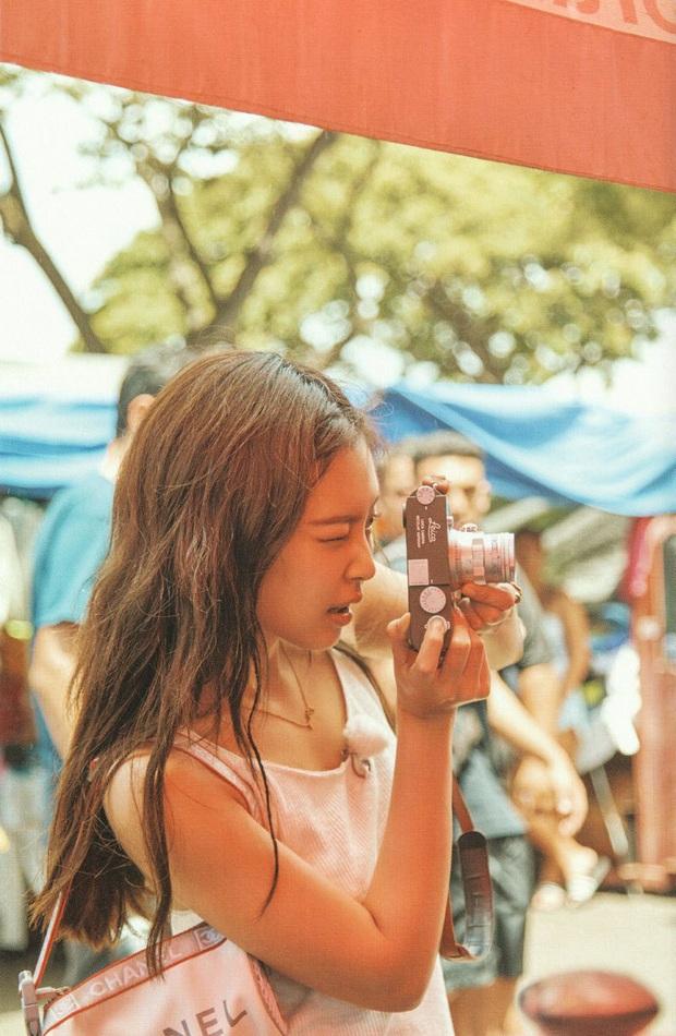 Netizen đang phát cuồng vì bộ ảnh giường chiếu của Jennie (BLACKPINK): Xinh như tiên tử, bổ mắt nhất là hình bên Rosé - Ảnh 14.