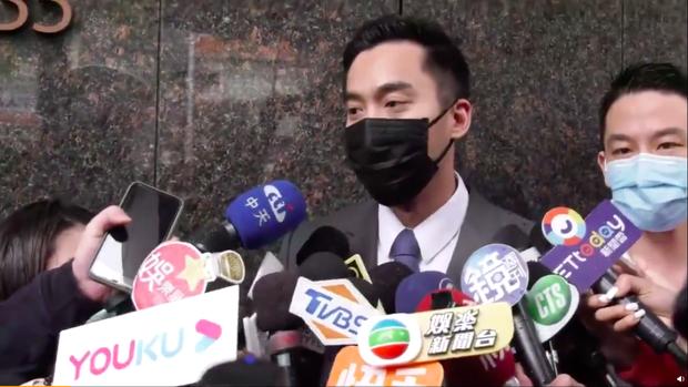 Nóng: Chồng Chung Hân Đồng mở họp báo phân trần mọi tình tiết ly hôn, gây tranh cãi khi trả lời câu hỏi quan trọng nhất - Ảnh 4.