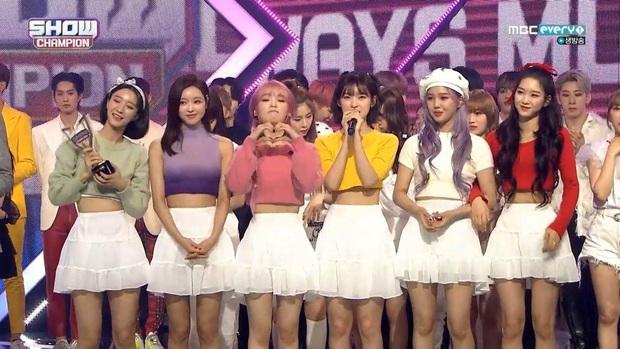 Những ca khúc giật nhiều cúp nhất 2020: ITZY bị BTS hành vẫn lăm le Top 3, Red Velvet và siêu hit từng gây tranh cãi vượt mặt loạt idol dù không quảng bá - Ảnh 8.