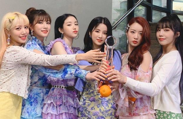 Những ca khúc giật nhiều cúp nhất 2020: ITZY bị BTS hành vẫn lăm le Top 3, Red Velvet và siêu hit từng gây tranh cãi vượt mặt loạt idol dù không quảng bá - Ảnh 12.