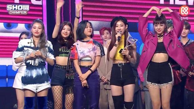 Những ca khúc giật nhiều cúp nhất 2020: ITZY bị BTS hành vẫn lăm le Top 3, Red Velvet và siêu hit từng gây tranh cãi vượt mặt loạt idol dù không quảng bá - Ảnh 14.