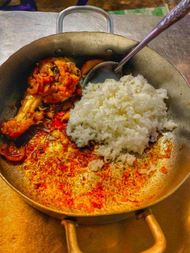 """Chỉ có thể là người Việt: Có những món bị cháy, bén lại trở thành """"đặc sản"""" thời xưa, đến nay dù ít xuất hiện hơn nhưng vẫn rất được ưa thích - Ảnh 4."""