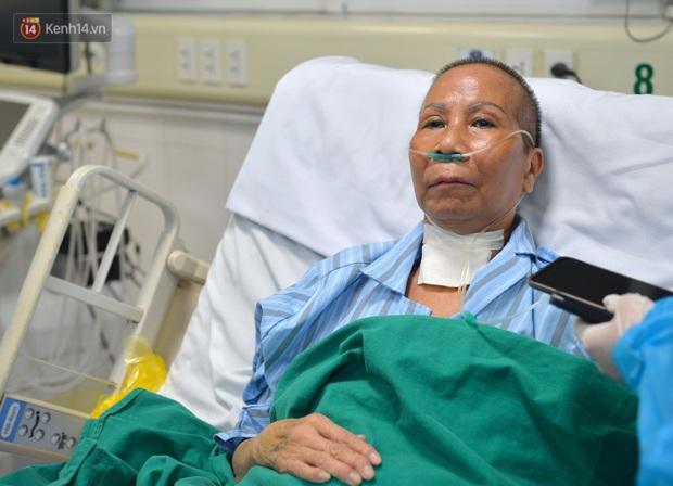 Đêm cứu sống bác gái bệnh nhân 17 khỏi tử thần: 40 phút ép tim liên tục 120 nhịp/phút, tưởng chừng phải buông bỏ nhưng điều kỳ diệu đã xảy ra - Ảnh 1.