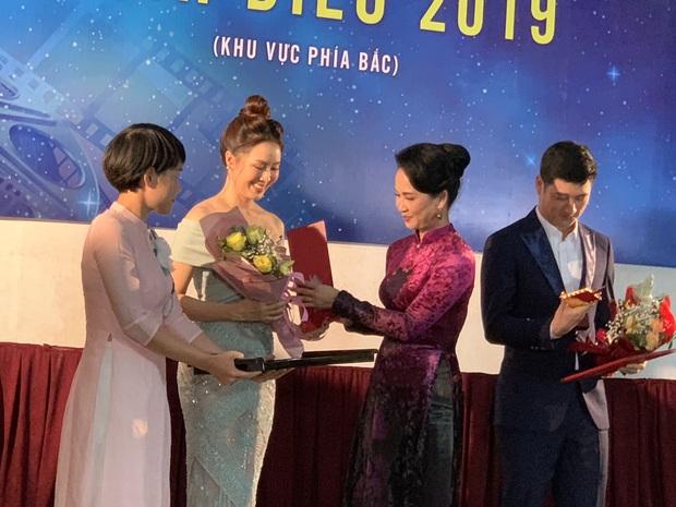 Cánh Diều 2019 âm thầm trao giải mùa Cô Vy: Phim của Kiều Minh Tuấn - Cát Phượng ẵm trọn 7 giải thưởng lớn - Ảnh 4.