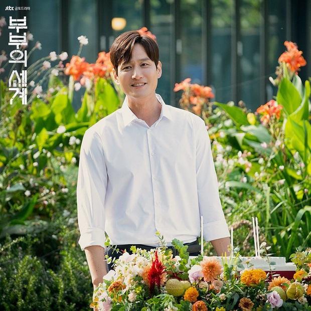 Thế Giới Hôn Nhân chưa hết, gã chồng tồi Park Hae Joon đã ẵm ngay phim mới với sao Parasite, thời tới cản sao kịp! - Ảnh 2.