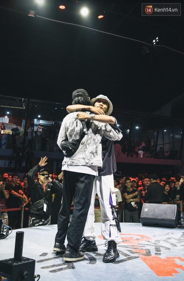 """Rapper Việt chung tay gửi lời cám ơn tới """"anh hùng mùa dịch - Ảnh 1."""