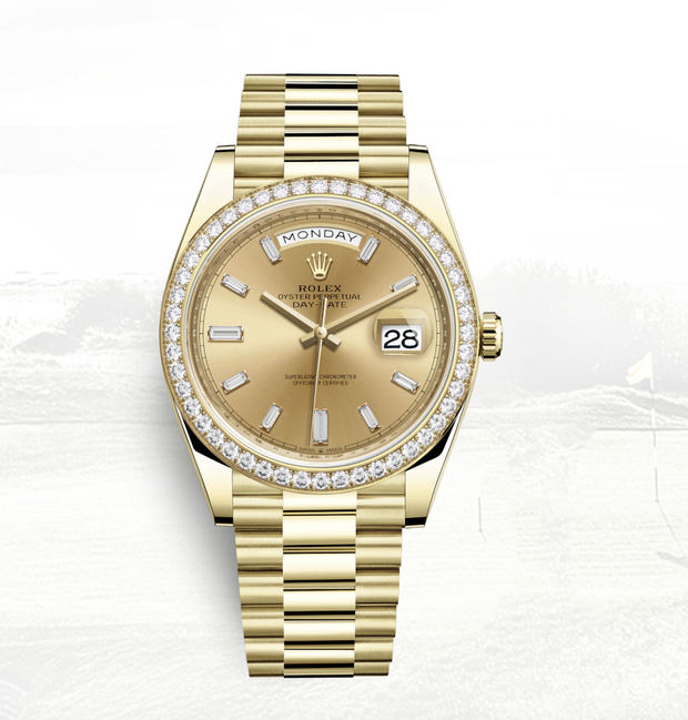 """Được cưng chiều, hội những bà vợ Vbiz cũng tận tình """"đáp lễ"""" nửa kia: Hari Won tặng đồng hồ hơn 1 tỷ đồng, Đàm Thu Trang cưới liền 2 siêu xe - Ảnh 5."""