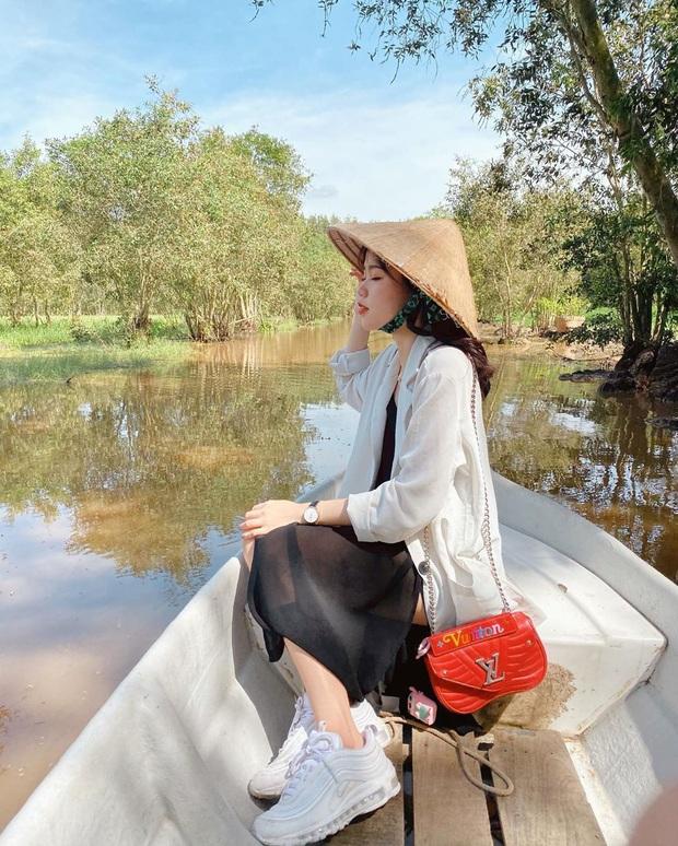 Bạn gái rich kid của Quang Hải sở hữu loạt túi hiệu từ Gucci đến Chanel, đi du lịch sương sương cũng phải mang vali Louis Vuitton sành điệu - Ảnh 2.
