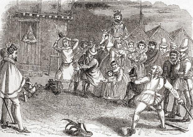 Những môn thể thao tàn ác nay đã tuyệt chủng: vặt cổ ngỗng, ném gà cho đến chết và thi Olympic bắn chim bồ câu - Ảnh 2.
