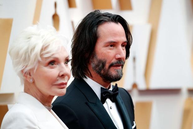 270.000 fan xúc động vì ngôi sao tử tế nhất hành tinh: Người ta chọn bạn gái, Keanu Reeves đưa mẹ ruột lên thảm đỏ Oscar - Ảnh 2.