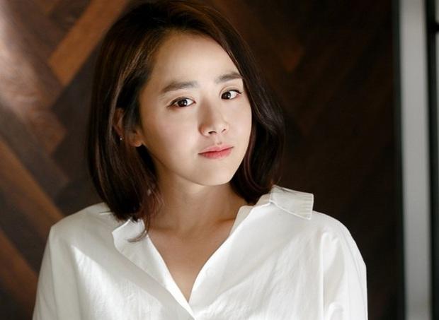 10 sự thật ít ai biết về Quả cầu vàng xứ Hàn Baeksang: Kim Soo Hyun lập kỉ lục nhưng vẫn kém xa đàn anh Lee Byung Hun ở một khoản - Ảnh 11.